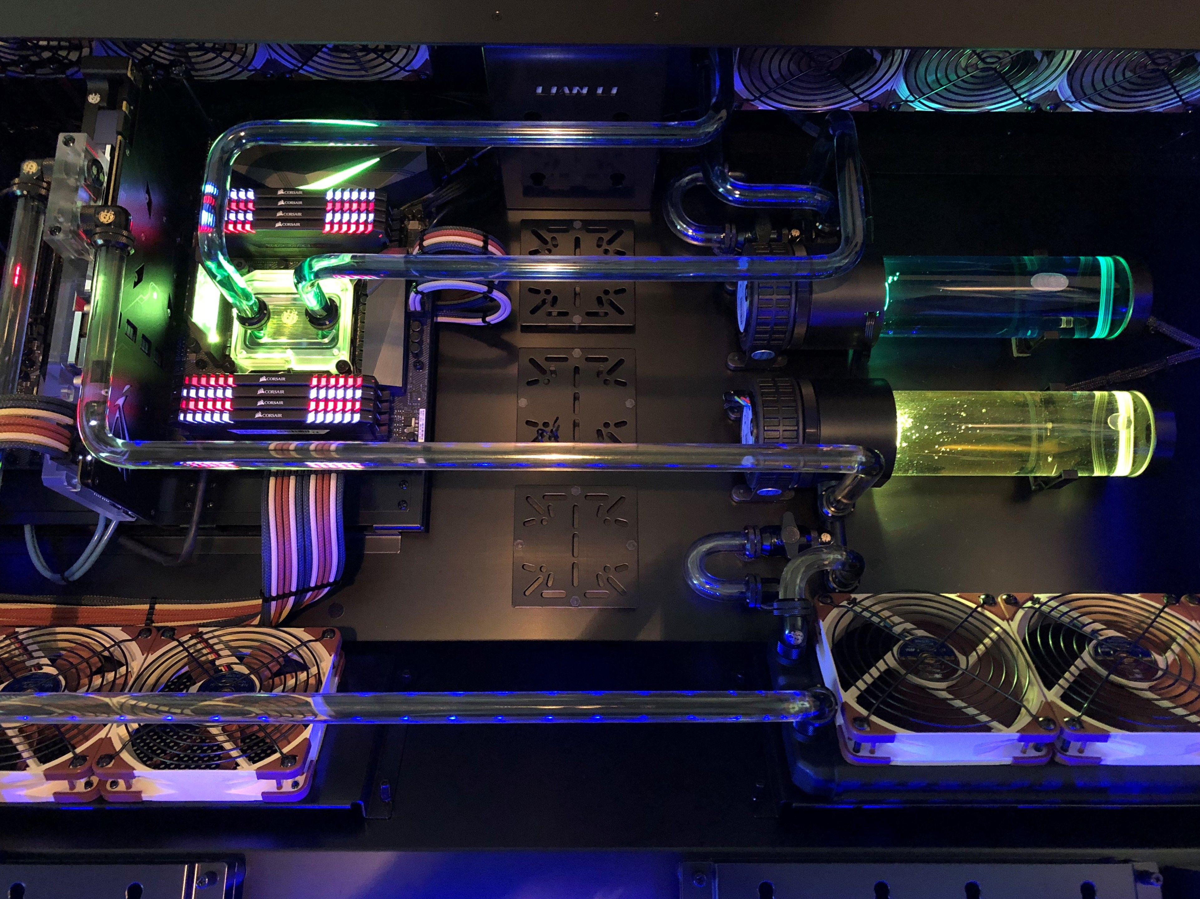Lian Li DK-05X Desk PC - Custom dual loop
